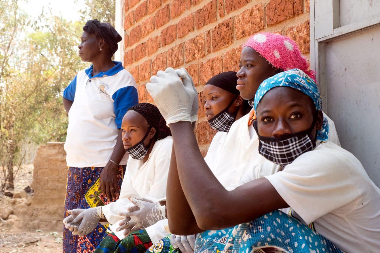 Donne laboratorio di sapone